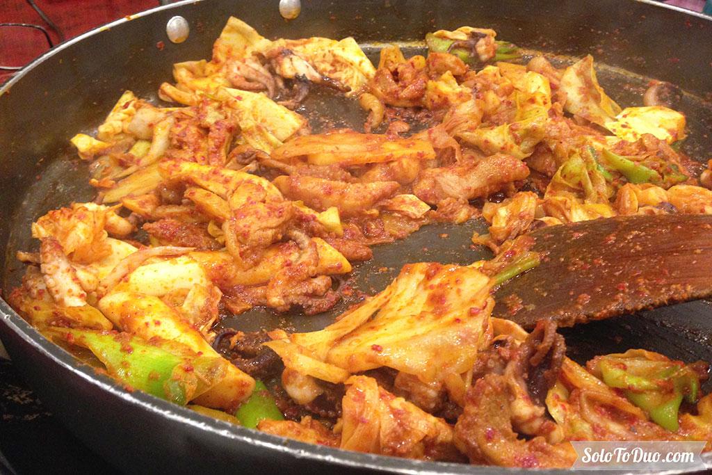 Makanan Wajib Coba di Seoul - Dak Galbi