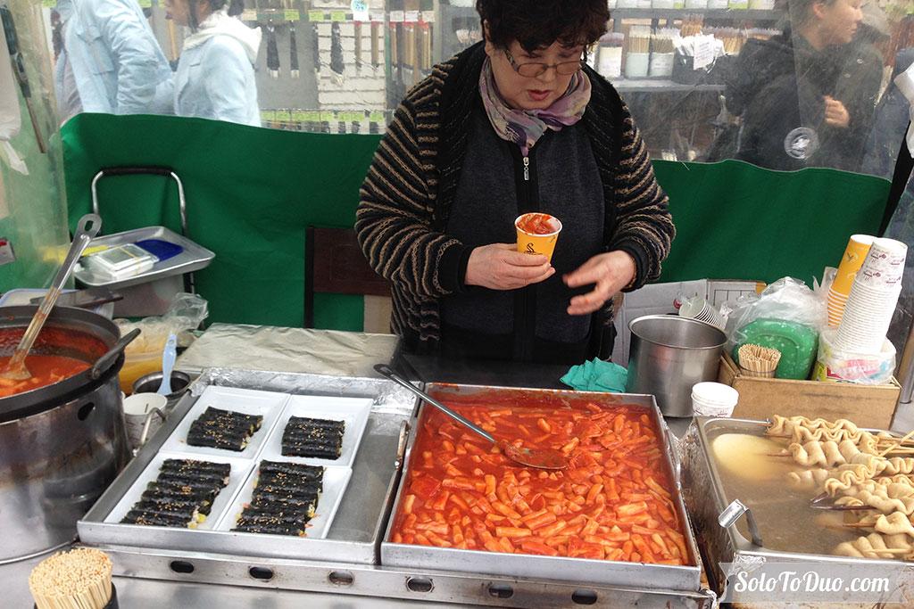Makanan Wajib Coba di Seoul - Tteokbokki
